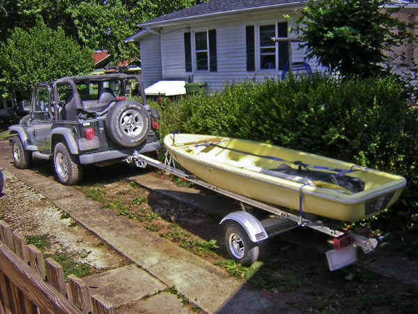 Trailex-SUT-200-S Trailer with a Snark Sunflower Sailboat