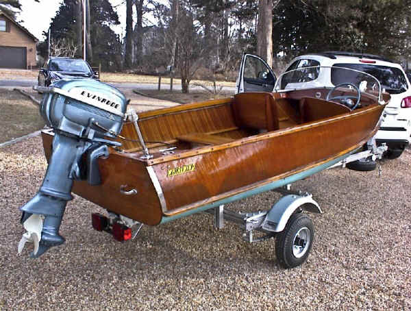 Trailex SUT-500-S carrying a 1957 Whirlwind Wooden Runabout